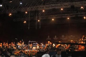 Rozhdestvenskij-kontsert-Simfonicheskij-orkestr-Tenerife