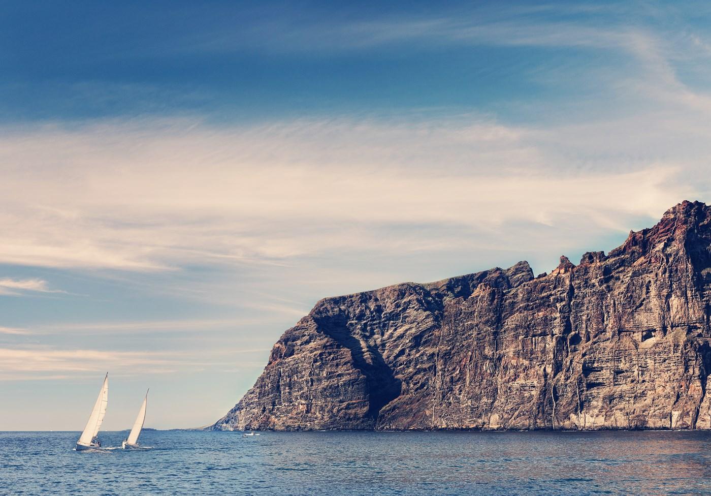 los-gigantes-krasivo-Tenerife-Kanarskie-ostrova