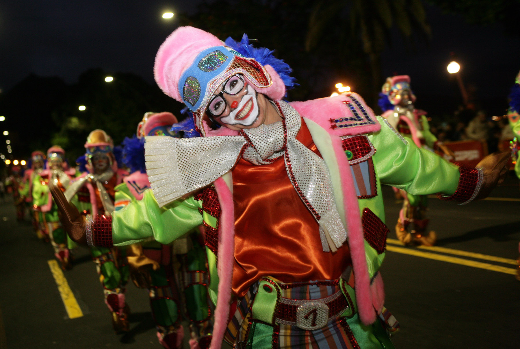 0Праздничная кавалькада на карнавале Санта-Крус-де-Тенерифе 2014