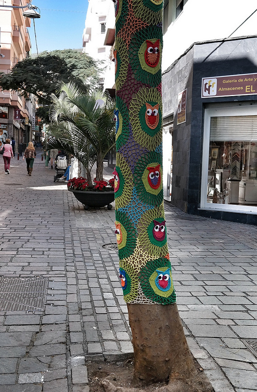 Ulichnoe-vyazanie-v-Santa-Krus-de-Tenerife