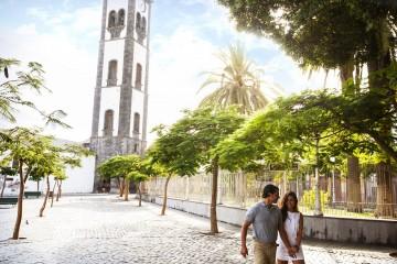 ploshha-plaza-tserkov-kontseptsii-santa-kruz-Tenerife-Kanarskie-ostrova