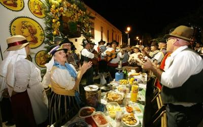 Narodny-e-prazdniki-na-Tenerife.-Majskie-prazdniki-v-Santa-Krus-de-Tenife
