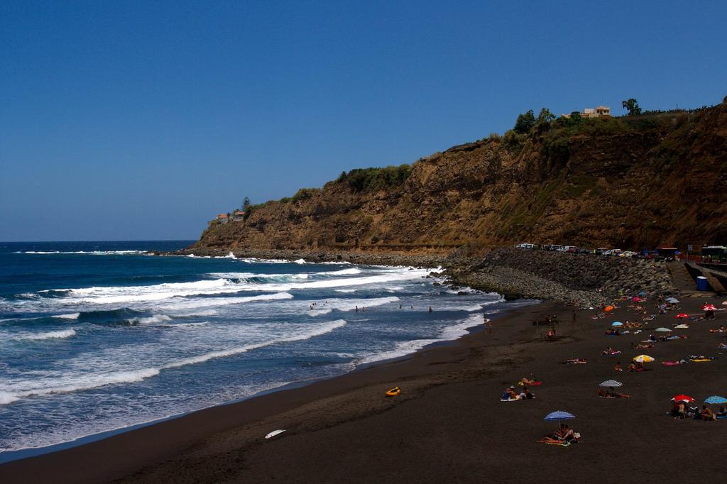 Plyazhi-Tenerife.-Plyazh-Sokorro-Los-Realehos