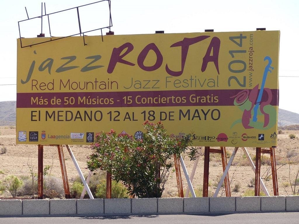Kontserty-na-Tenerife-Dzhazovy-j-festival-Red-Mountain-v-E-l-Medano