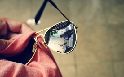 Moda-i-shopping-na-Tenerife.-Solntsezashhitny-e-ochki