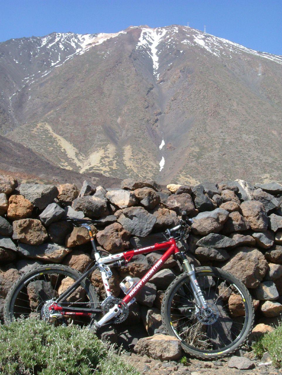 Sport-na-Tenerife.-Velosport-na-vulkane-Tejde
