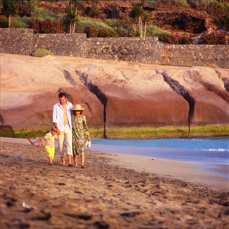 Otdy-h-na-Tenerife.-Rossijskie-turisty-na-Tenerife