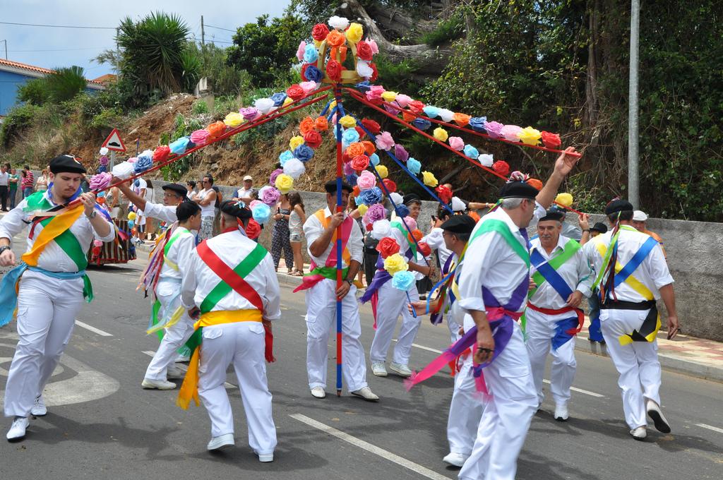 Prazdniki-na-Tenerife.-Romerii