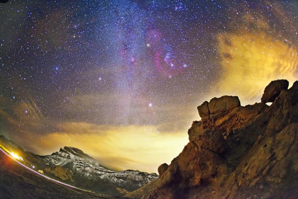 Vesna-na-Tenerife.-Nochnoe-nebo-Tenerife
