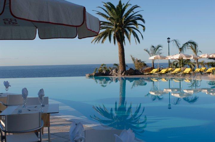 Oteli-na-Tenerife.-Nagrady-turoperatora-TUI-Roca