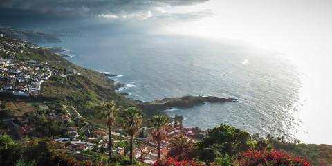 Peshehodny-j-turizm-na-Tenerife.-Progulka-po-poberezh-yu-E-l-Sausal