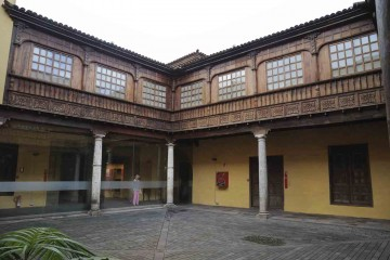Istoriya-Tenerife.-Legenda-doma-Lerkaro